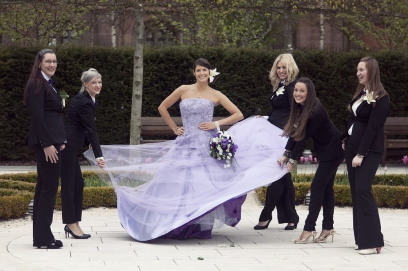 How to transport your wedding dress as seen on @offbeatbride