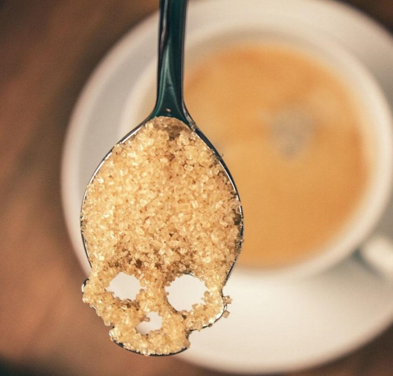 creative-skeleton-spoon-suck-uk-sugar-skull