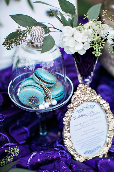 Buttons, keys, and a Victorian house: it's Coraline wedding decor