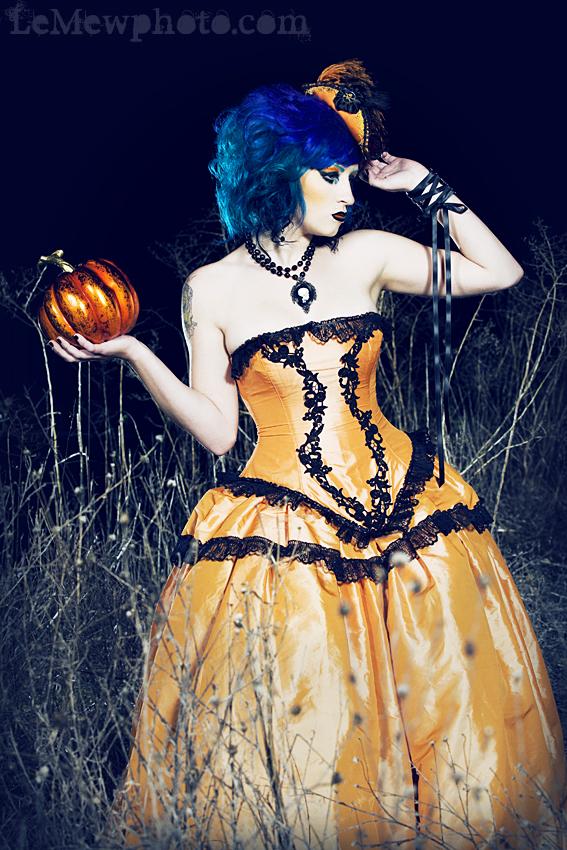 Halloween wedding fashion
