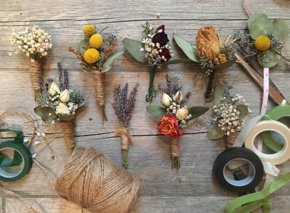 Fall colors, leaves, plaids, & woollies: all the fall wedding accessories you want