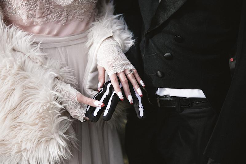 Halloween wedding fashion and details