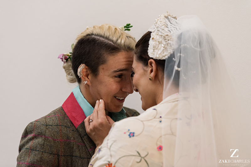 Get ready to fall hard for this Jewish-Mexican wedding in Oxford, England