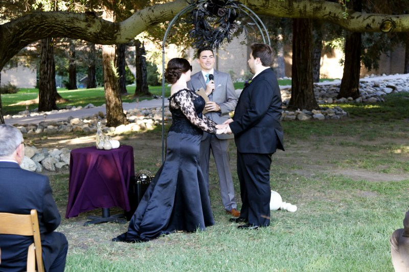 Here's how Jeff Goldblum helped make this horror film-inspired Halloween wedding come to be
