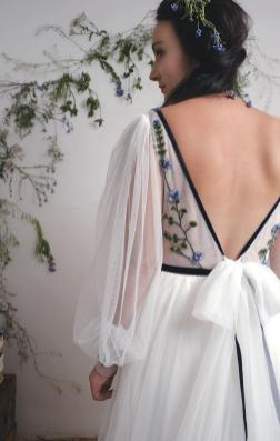 AbigailofGardenia embroidered wedding dress on Offbeat Bride (3)