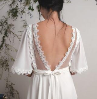 AbigailofGardenia embroidered wedding dress on Offbeat Bride (7)