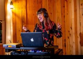 Toast and Jam on Offbeat Bride (8)