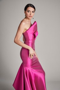 sustainable-luxury-fite-fashion-bridal-fuchsia-gown-side