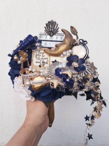 Maddison Rocks Floral Sculpture on Offbeat Bride (6)