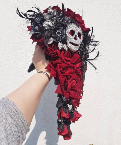 Halloween wedding bouquet by Maddison Rocks