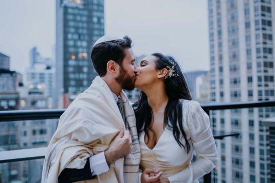 New-York-City-Intimate-Wedding-Photographer-Laura-Diliberto-10