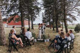 Bespoke Socials wedding planning in Des Moine Iowa (1)