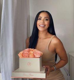 glam fleur bridesmaid gifts