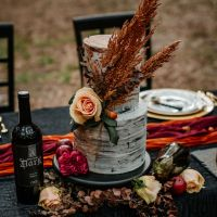 Bask in these elegant dark Halloween elopement ideas