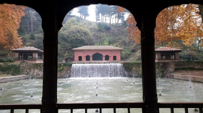 Achabal Gardens, Achabal Mughal Gardens, Best places to visit in Kashmir