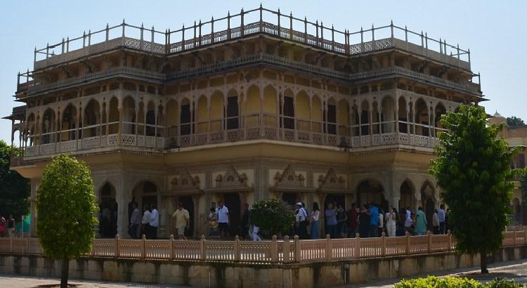 City Palace Jaipur, blog for information & photographs, Rajasthan Tourism, Pink city, Mubarak Mahal, Chandra Mahal, Jaipur City tour, Places to visit in Jaipur