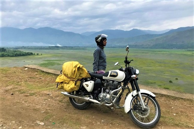Wular Lake Bandipora - Srinagar to Gurez Valley Bike Trip on Royal Enfield – A memorable experience to explore offbeat hidden places in Kashmir valley – Visit Dawar, Tulail, Rajdhan Pass and read our blog for bike trip tips in Kashmir valley, Permit requirements for Gurez, best time to visit Gurez and of course where to stay in Gurez