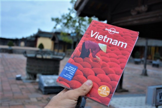 Vietnam Lonely Planet - A backpacking Trip to Vietnam (Hanoi, Hoi An and Hue)