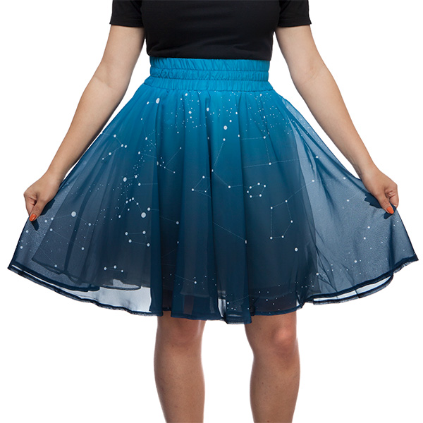 This LED skirt twinkles like the night sky!
