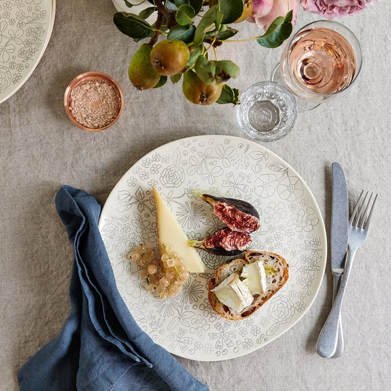 dorotea: Cover your kitchen in gardens of flora with this nature-themed dishware