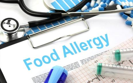 food allergies on a clipboard with highlighter pens