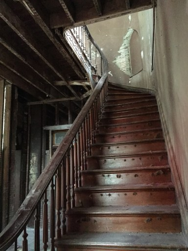 Looking up the stairs. Notice wall niche as the stairs curve.