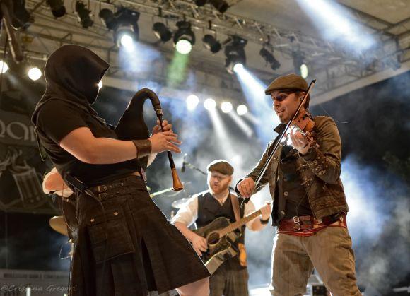 Bog Bards, Tir Nan Og & To Loo Loose live at Triskell Festival