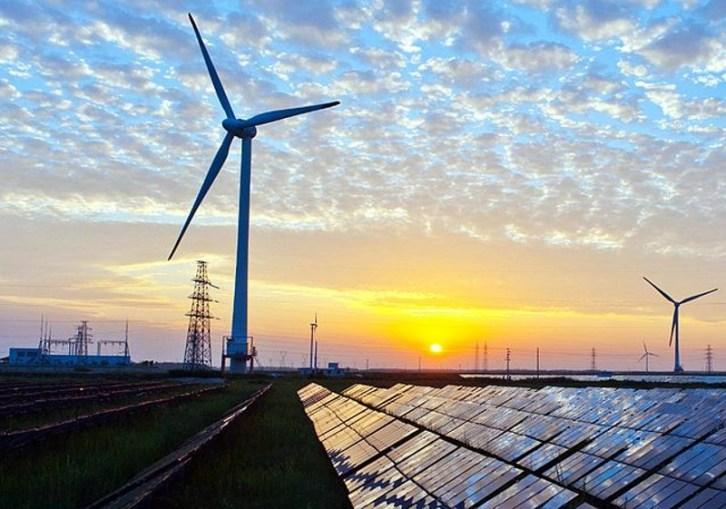 newsEngin.18600725_Renewable_Energy_on_the_Grid