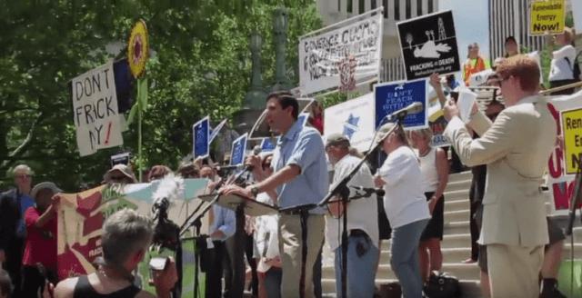 jacobson-anti-fracking-rally-2013-2-768x393