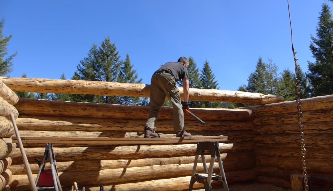 Off grid log cabin build scribe fitting resumes part 2 for Building off the grid ana white