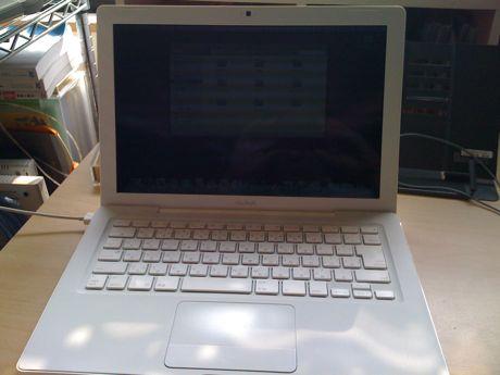 帰ってきた Mac Book