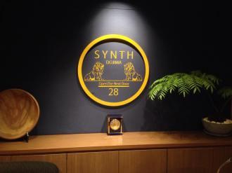 大阪府の堂島にあるサービスオフィス&コワーキングスペースの「SYNTH(シンス)」さんにお伺いしました。
