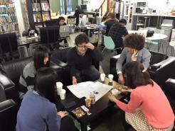 増床に伴い、レンタルオフィスと貸し会議室を作るために設計図面を検討中です。