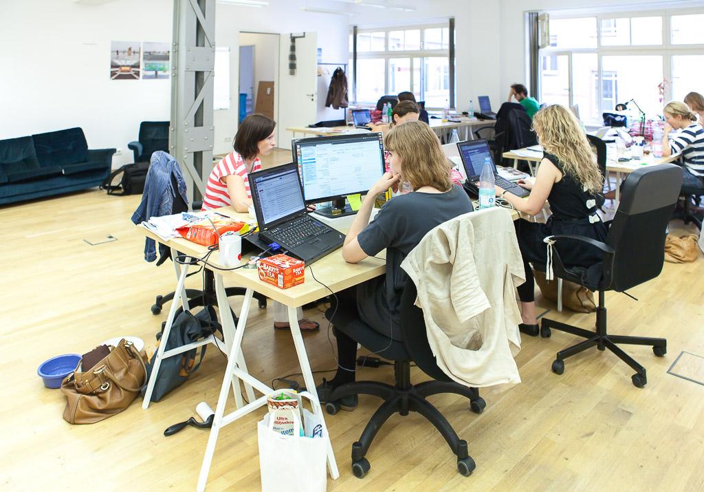 officedropin outfittery Andreas Lukoschek andreasl.de 3 1024x715 Peek inside Outfitterys Berlin Office