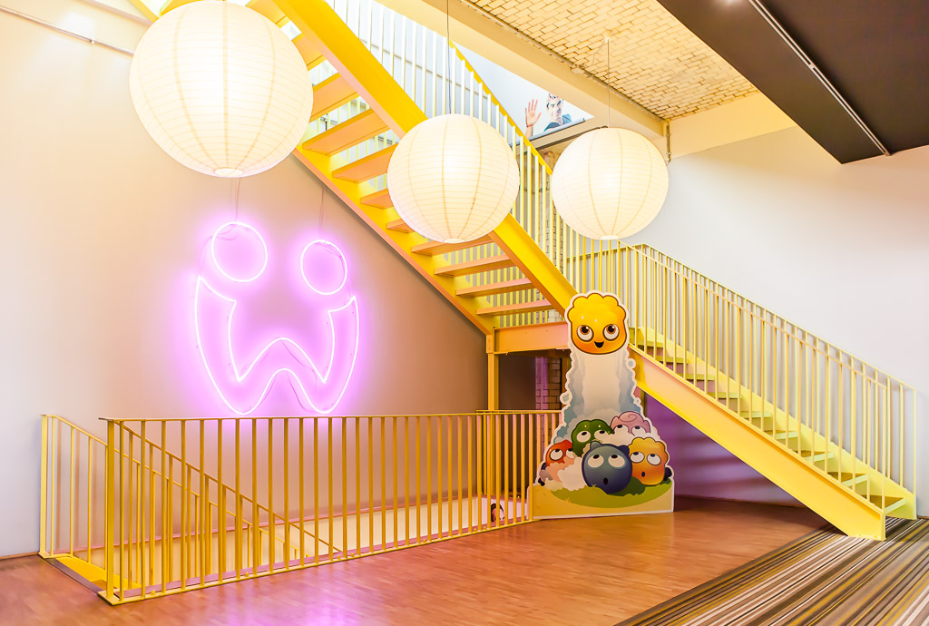 officedropin wooga Andreas Lukoschek andreasl.de 3 1024x690 A Tour of Woogas Berlin Office