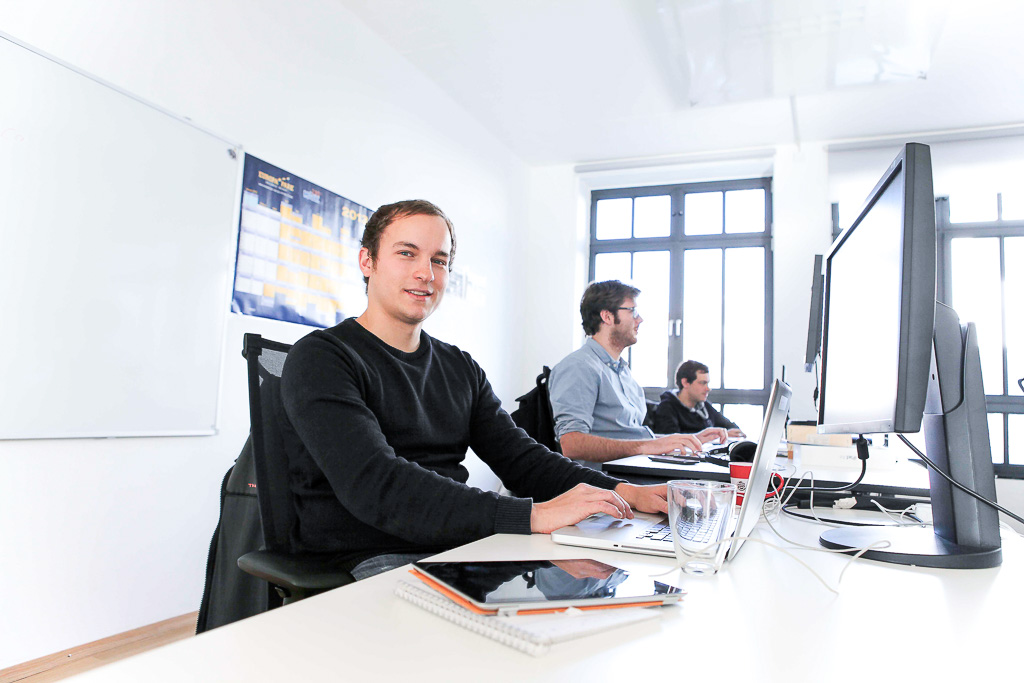 officedropin holidayinsider Andreas Lukoschek andreasL.de 1 1024x683 A Tour of Holiday Insiders Munich Office