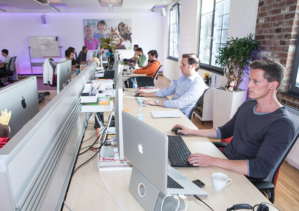 officedropin kaisergames Andreas Lukoschek andreasL.de 5 1024x724 A Tour of Kaisergames Cologne Office