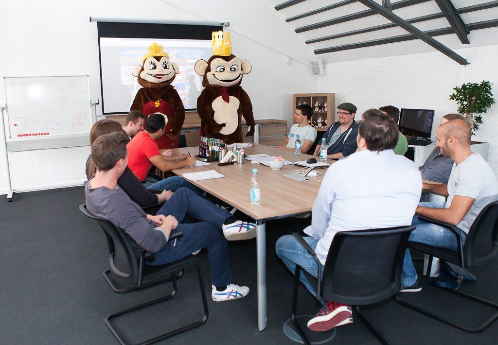 officedropin kaisergames Andreas Lukoschek andreasL.de 8 1024x710 A Tour of Kaisergames Cologne Office