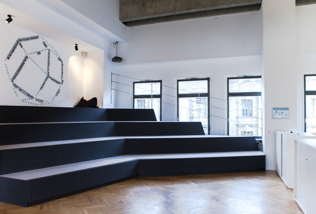 officedropin number 26 Andreas Lukoschek andreasL.de deutsche startups.de 3 1024x696 Have a Look at Number26s Berlin Office