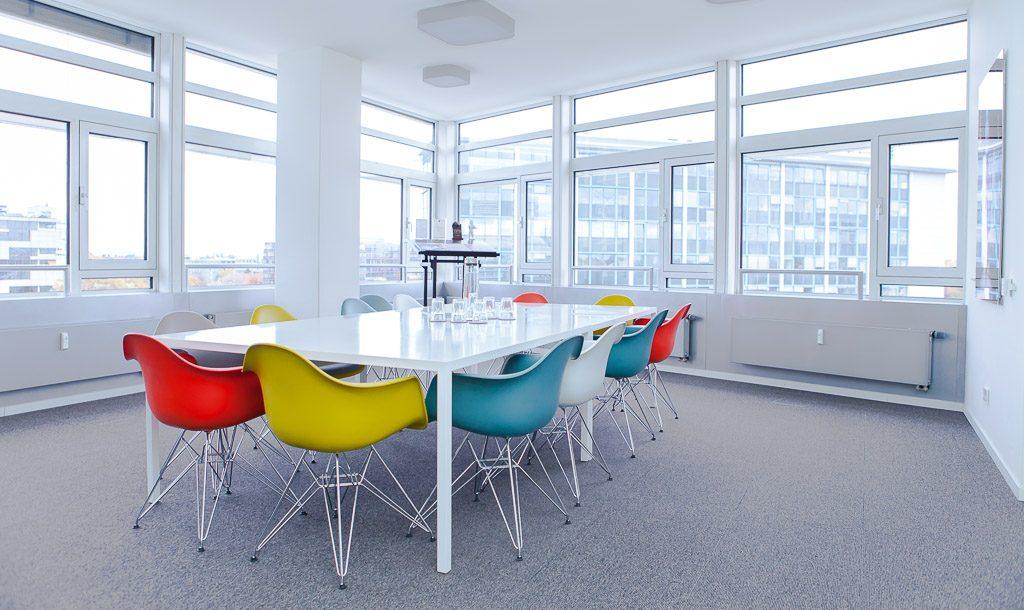 Lumas White Wall officedropin.com 6 1024x610 INSIDE LUMAS & WhiteWallS HQ OFFICE IN BERLIN