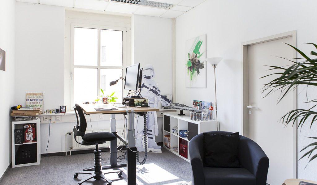Dojo Madness officedropin 6715 1024x599 A PEEK INSIDE DOJO MADNESS BERLIN OFFICE