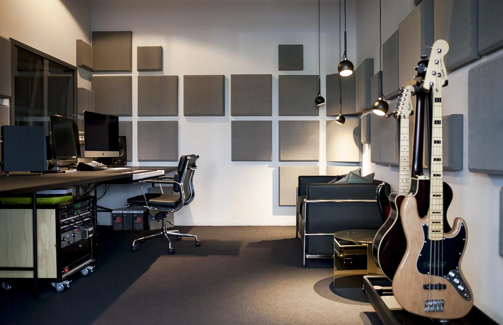 Regiocast Office Berlin Officedropin Andreas Lukoschek 0216 A TOUR OF REGIOCASTS OFFICE IN BERLIN