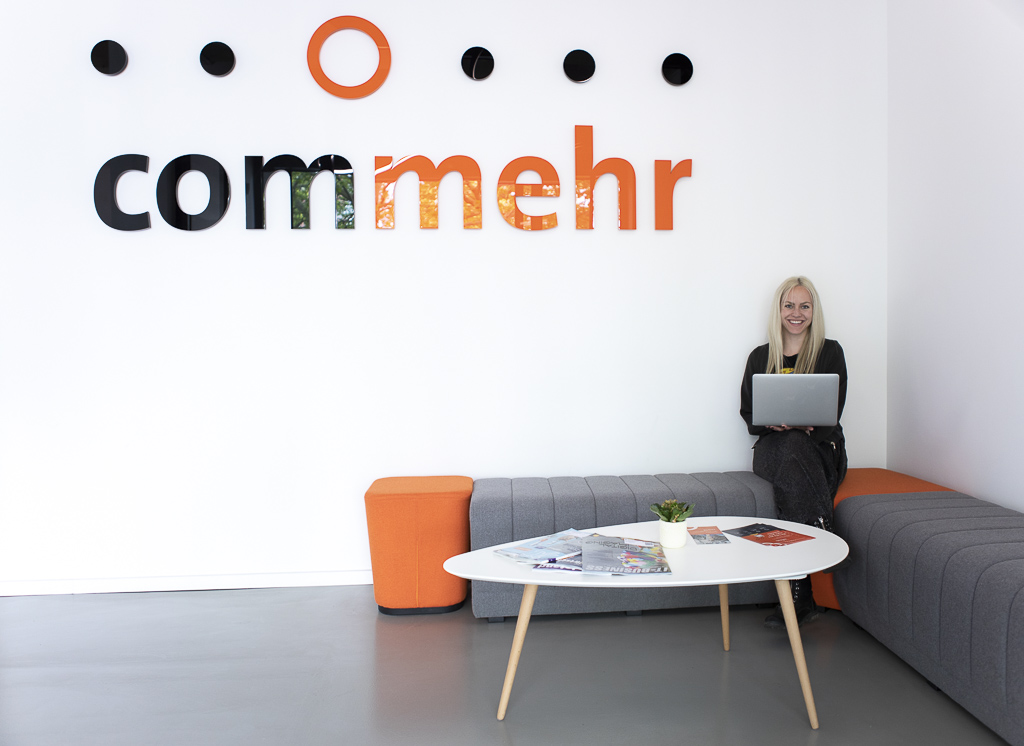 commehr officedropin 4857 A TOUR OF Commehrs OFFICE IN BERLIN