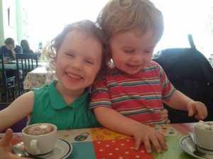 office mum photo of kids