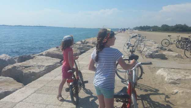 Marina di Venezia lighthouse cycle - Office Mum