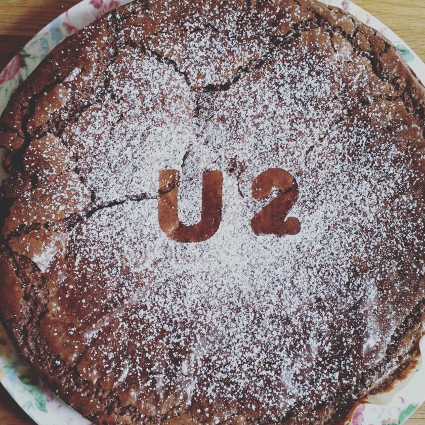 U2 Cake - office mum