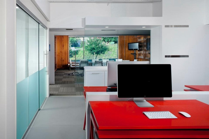 Check Out The Tombras Group Offices Office Snapshots