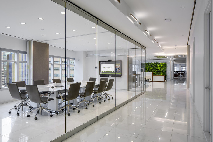 Meadows Office Interiors Office And Showroom New York