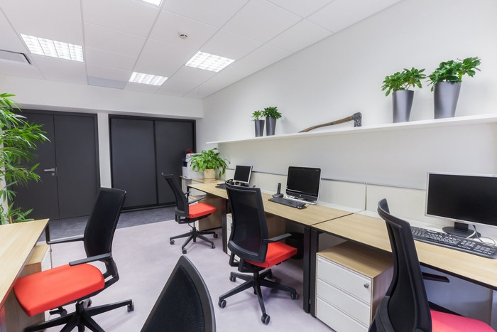 red-square-office-design-4