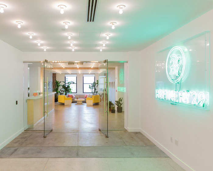 refinery29-office-new-york-city-office-design-1